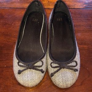 GAP Herringbone Flats